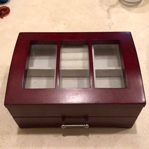 An adorable jewelry box